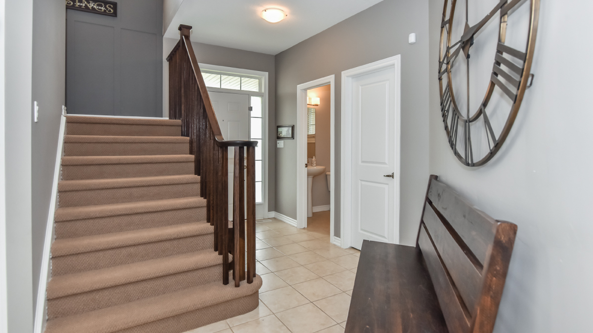 Stairwell/entryway